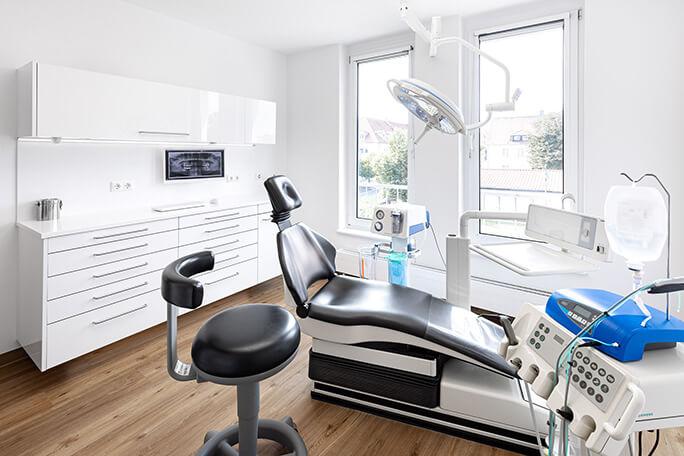 Behandlungszimmer der Oralchirurgie Grimma